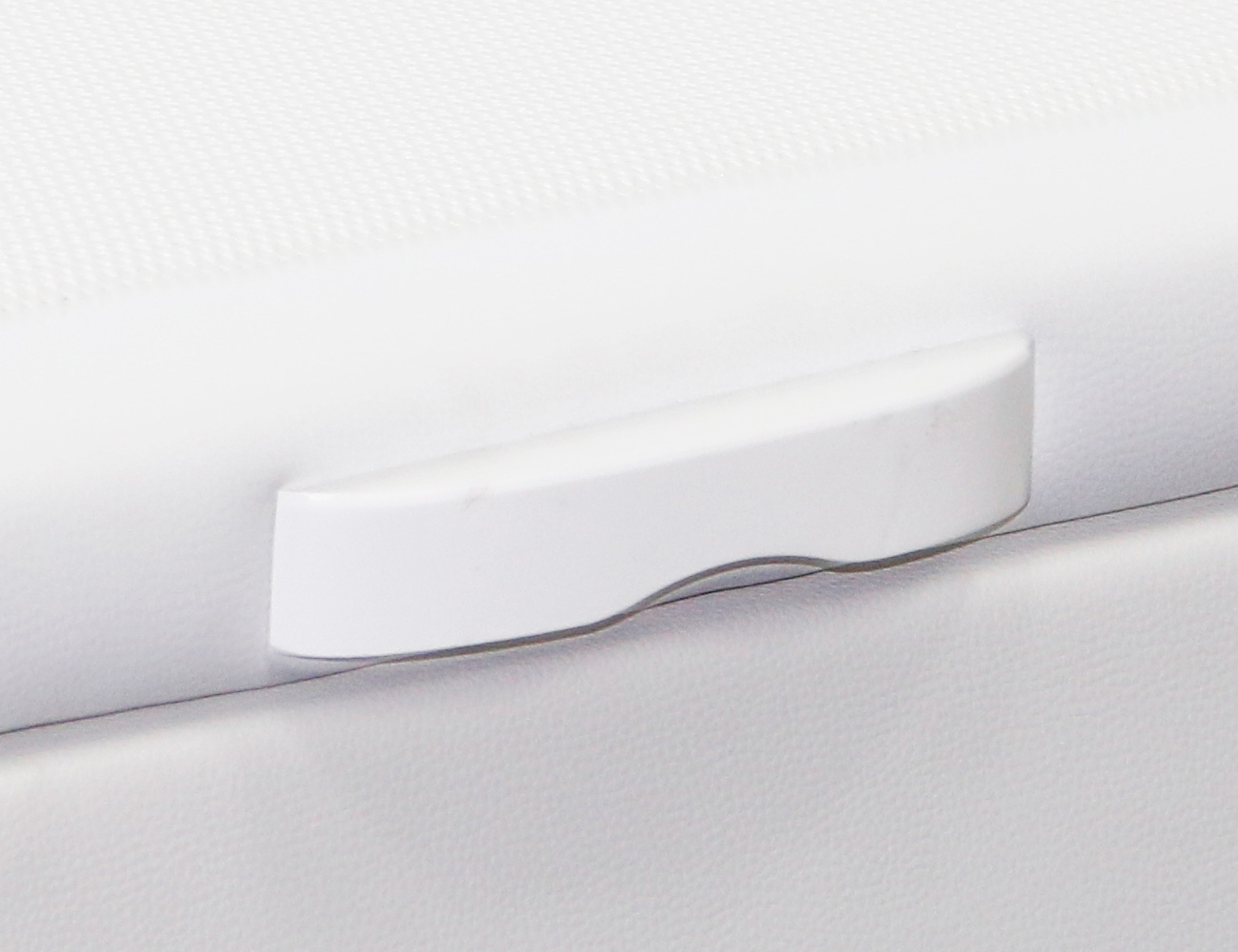 Canape polipiel blanco hercules detalle