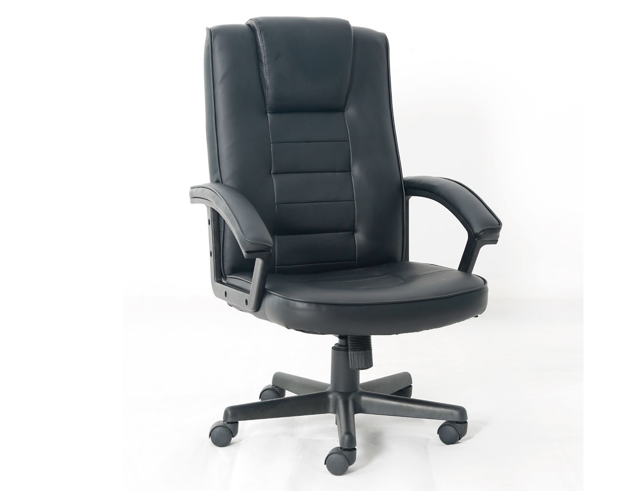 Silla de oficina con reposa brazos y respaldo alto en for Sillas de oficina con ruedas