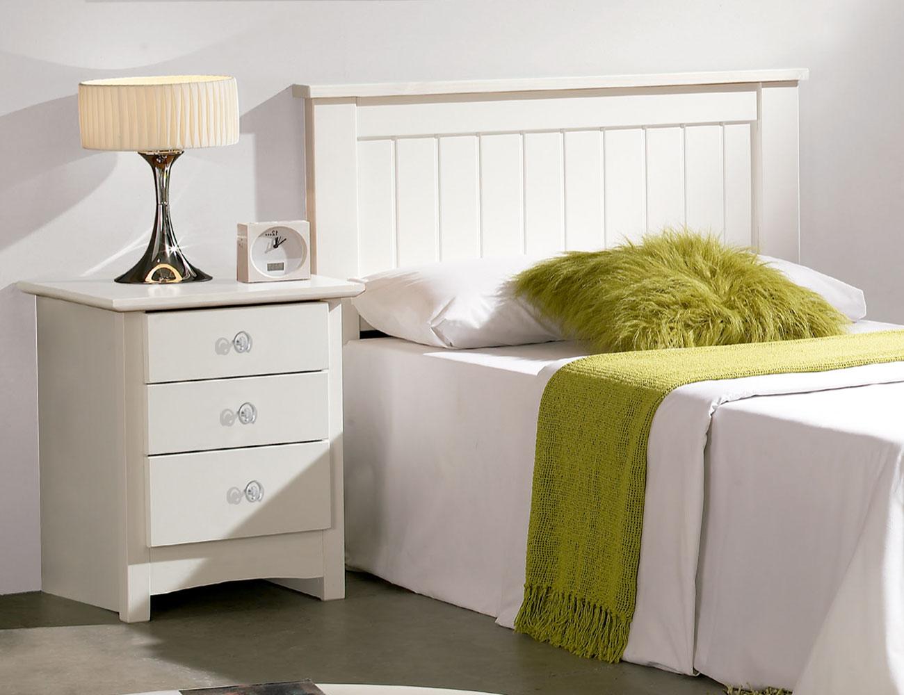 Sal n comedor con vitrina platero y mueble tv en madera - Cabeceros de madera blanco ...