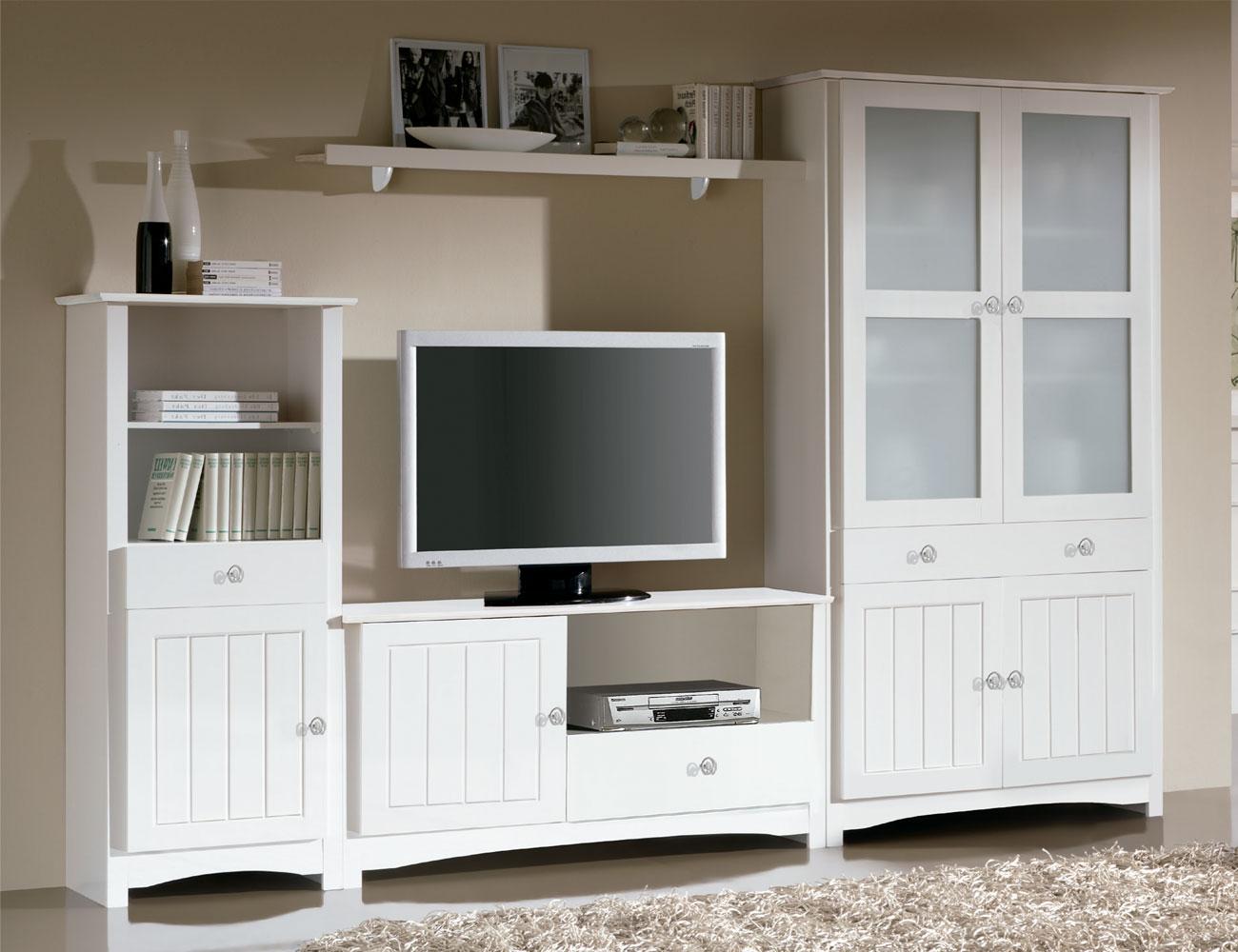 Sal n comedor con vitrina platero y mueble tv en madera for Factory del mueble azuaga
