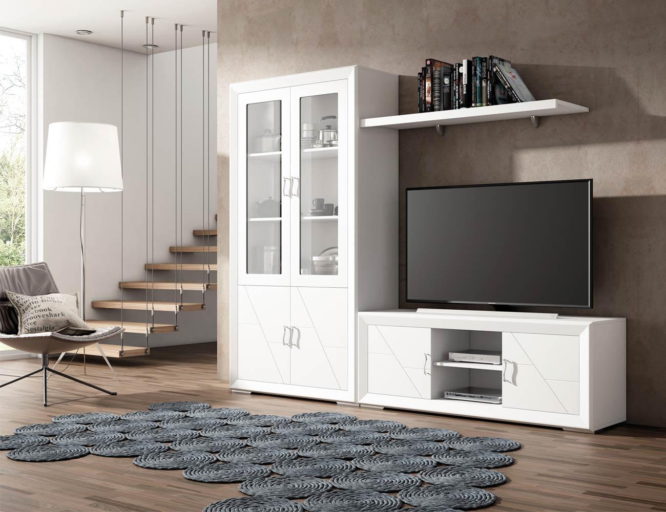 Muebles de gran calidad en madera con vitrina y mesa tv en - Muebles de salon lacados en blanco ...