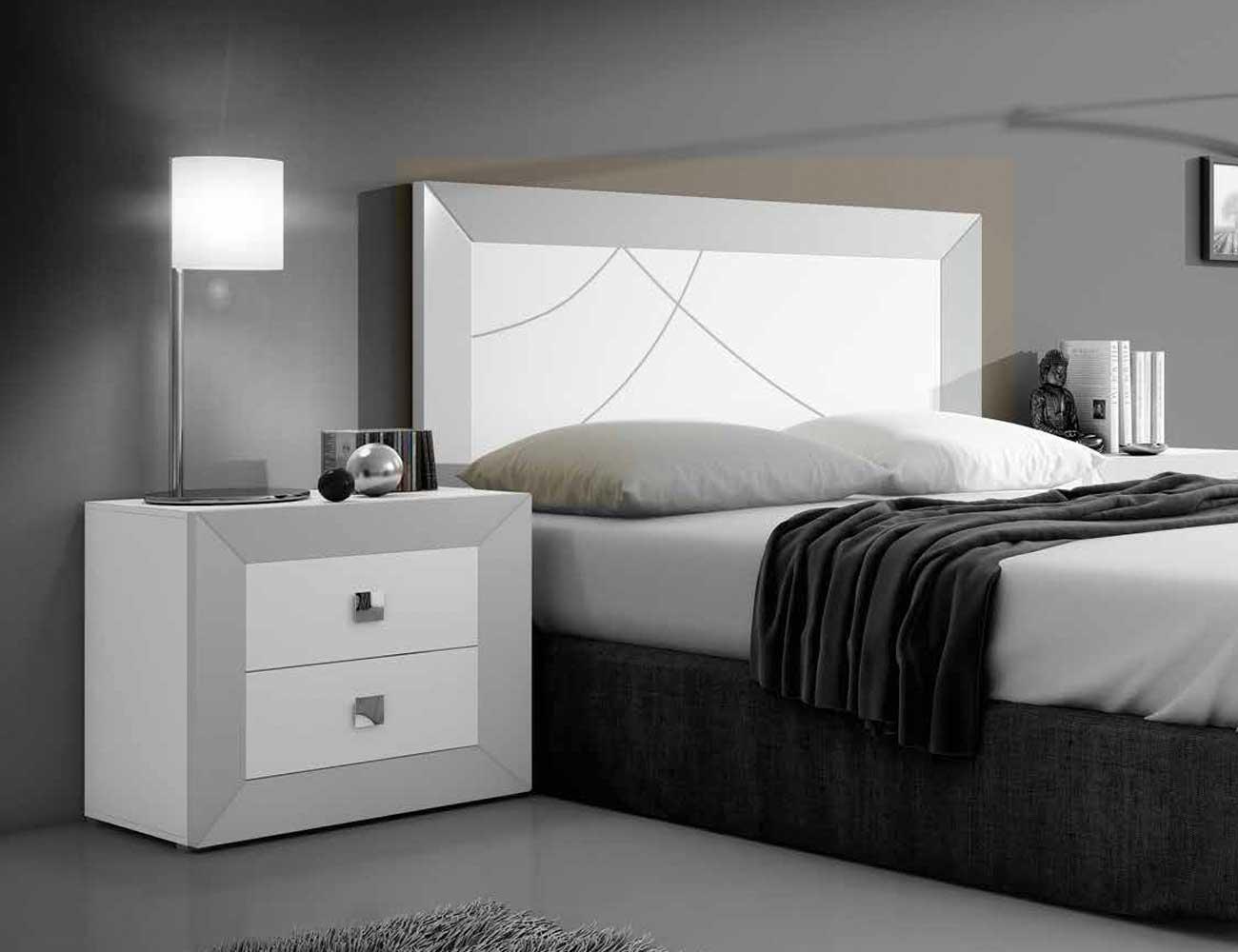 Dormitorio de matrimonio moderno en blanco con plata 2441 for Dormitorios modernos en blanco y plata