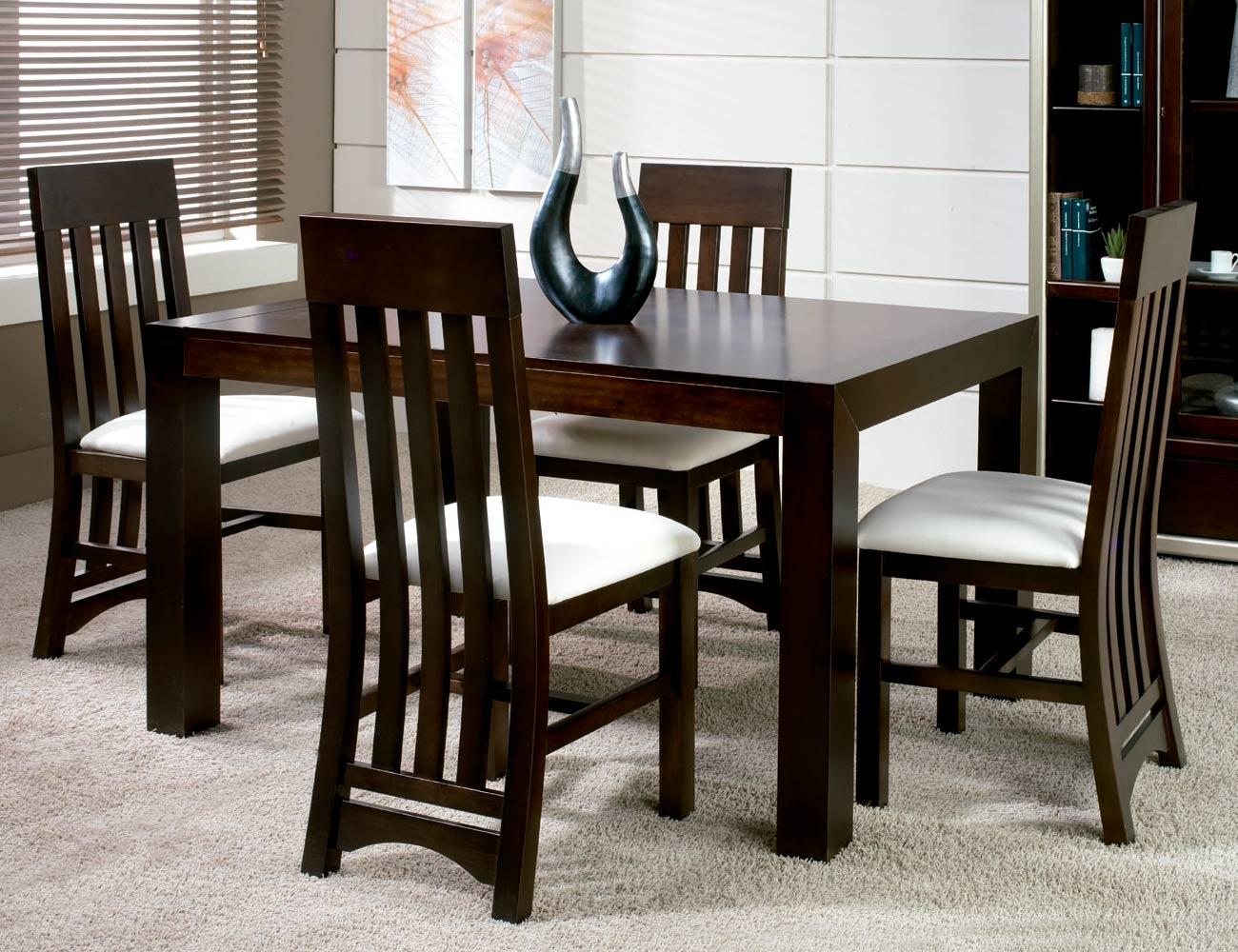 Composicion14 mesa sillas
