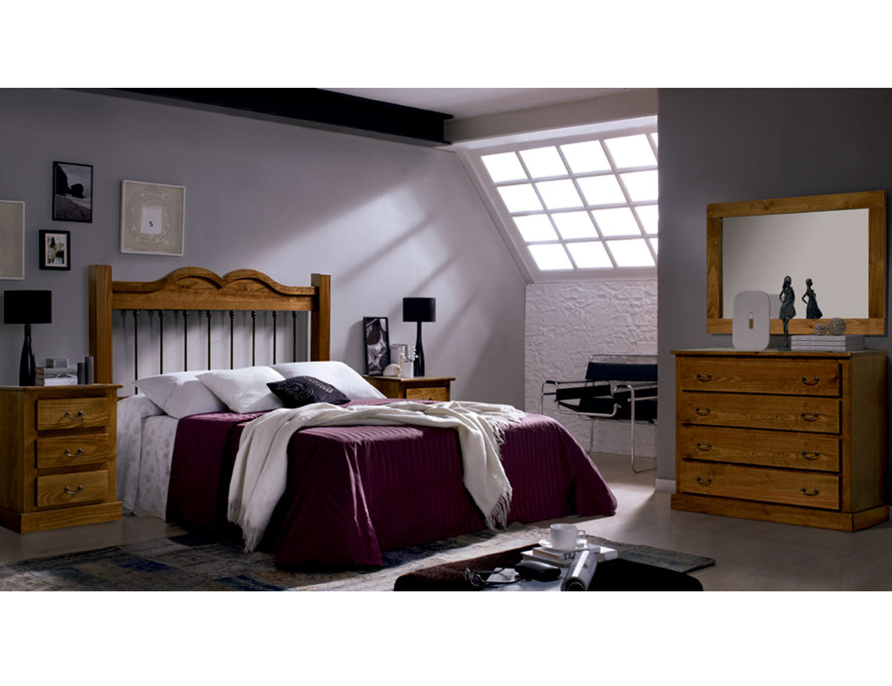 Dormitorio de matrimonio con cabecero forja en madera de for Comoda matrimonio
