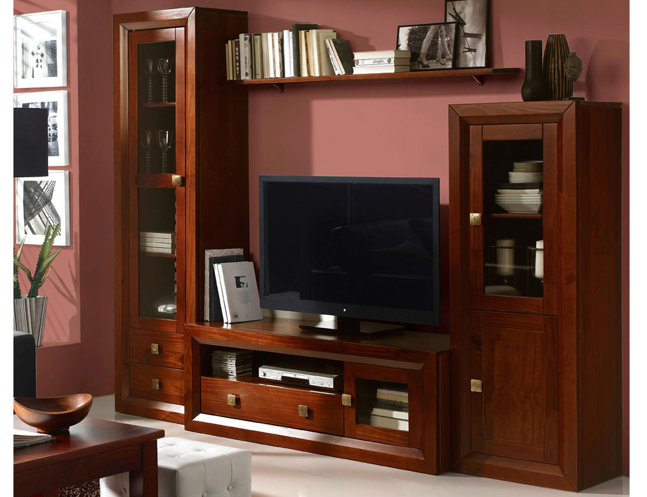 Muebles salon comedor nogal madera dm vitrina bodeguero tv